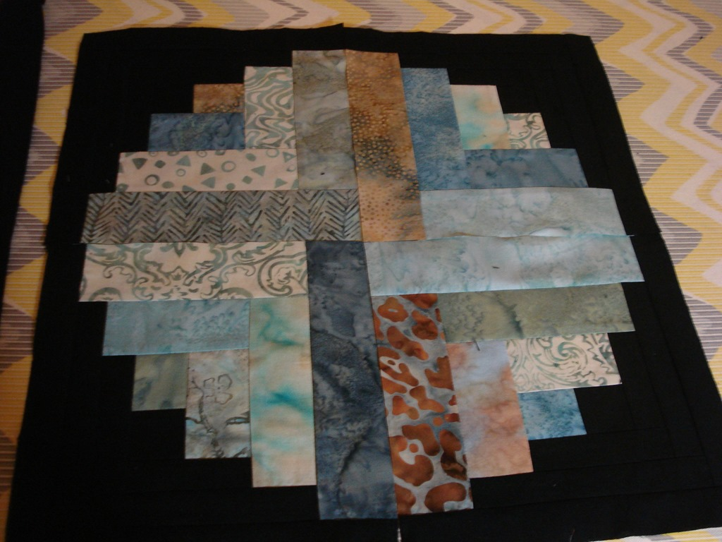 Round Log Cabinprogress Mulberrypatchquilts