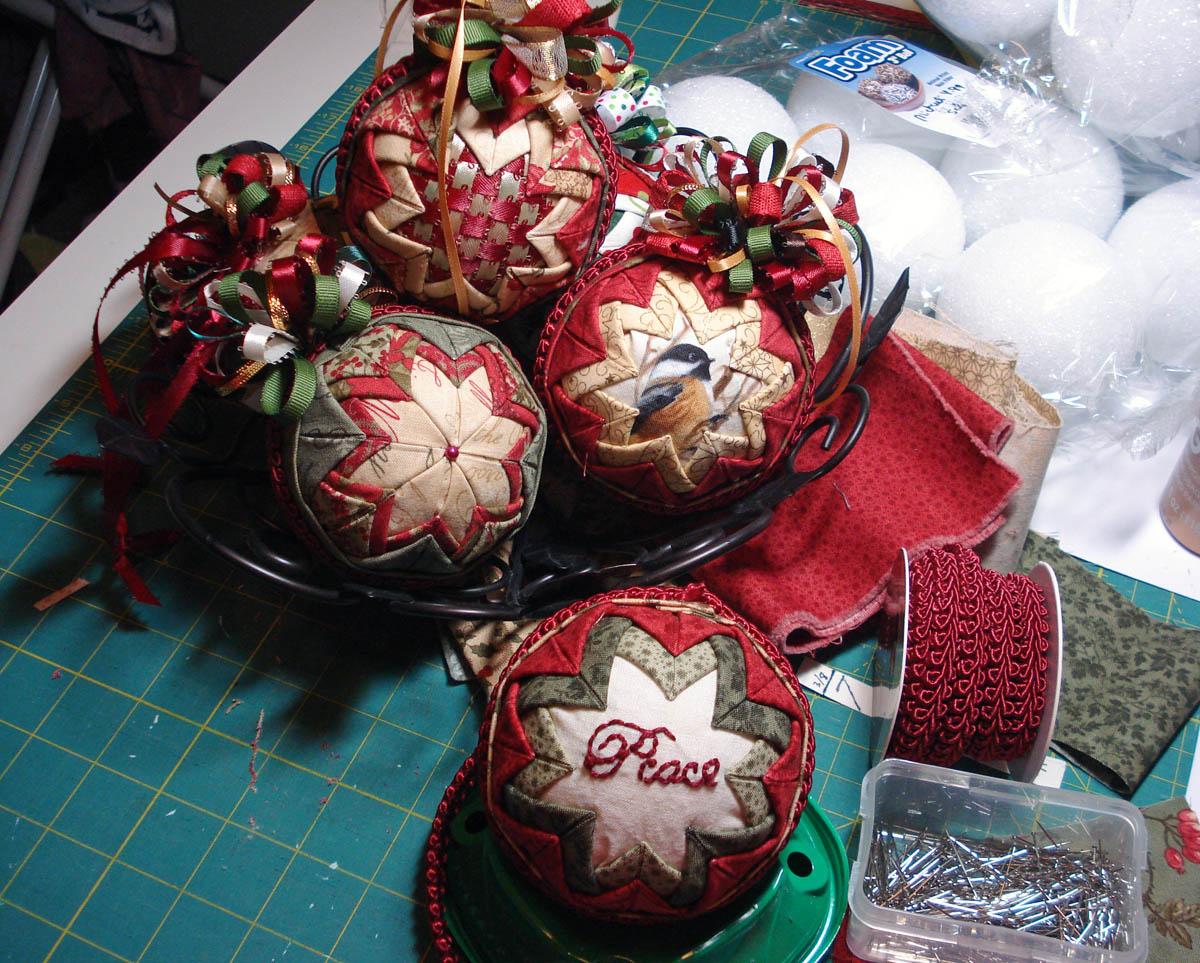 Folded fabric christmas tree - Ornaments1
