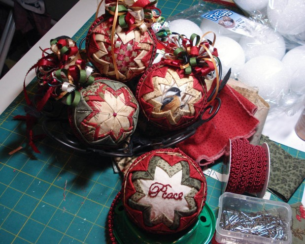 Crazy Christmas Tree Quilt & Folded Fabric Ornaments–Distractions