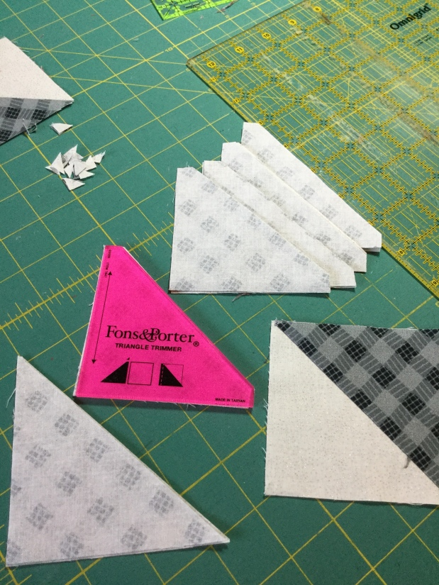 Tuesdays Tips -Quilting: HST Tip Tool