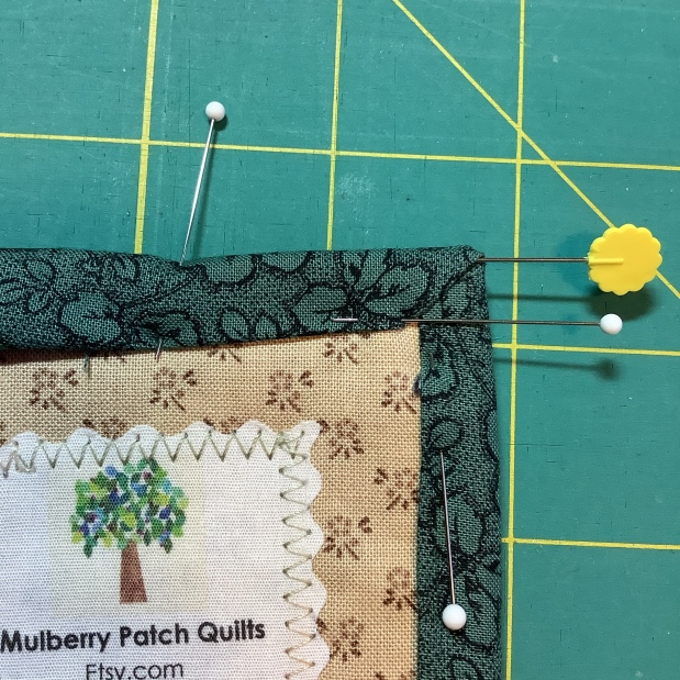 """How to Bind Your Quilted Wall Hanging with 1-1/2"""" Single FoldBinding"""